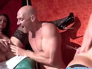 Veronica Avluv Squirts When Fingerblasting With Nora Noir