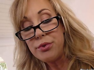 Nerdy Big-titted Sexy Cougar Brandi Love Gonna Work On Supah Strong Bbcs