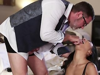 Matures Fellow Knows How To Ravish Stunning Mummy Asa Akira