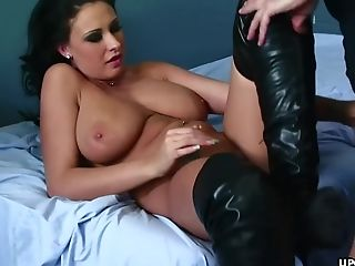 Big Donk Black-haired Sucking That Fat Dick Before F