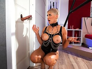 Brazzers – Ryan Keely Contracts A Man Meat