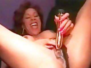 Bizarre Muscle Honey Figure Builder Faux-cock Fucking Her Coochie