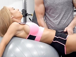 Rough Fuck-a-thon At The Gym Is All About Blonde Dame Honey Blossom Talking