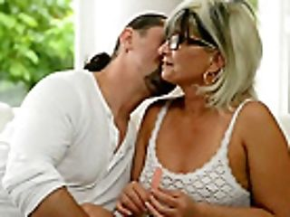 Gilf Jessye Grapples With A Humungous Pipe