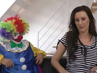 Matures English Stunner Sucking Clowns Manhood