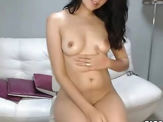 Pretty Hot Hairless Teenage Likes To Masturbate