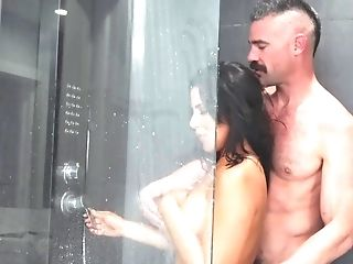 These Two Love Taking Showers And Banging At The Same Time