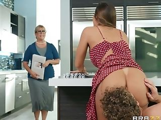 Big Backside Wifey Fucked Hard In The Kitchen And Made To Gulp