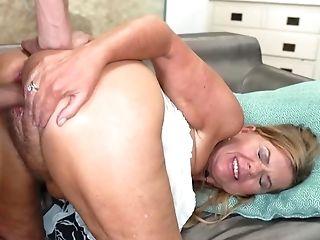 Old Estate Agent Takes Dude's Spunk-pump In Vagina To Make Him Buy Mansion
