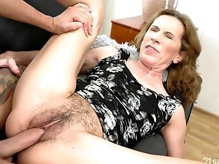 Pov hairy wife creampie brunette not see