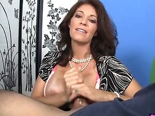 Cougar Jerking Point Of View Shaft On Her Knees