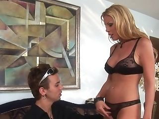 Blonde Bombshell Honey Gets Banged By Her Dangled Paramour