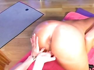 Skinny Sandy-haired Predominates Blonde With Perverse Anal Invasion Fist-fucking