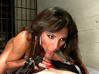 Shemale-tranny - Tied Fucked By Pretty Shemale