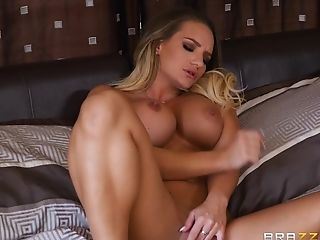 Alexis Monroe And Jessa Rhodes Meet Up With A Chick And A Horny Man