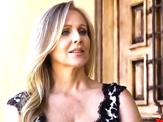 Julia Ann - Large-bosomed Blondie Matures