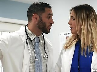 Horny Medic Kimmy Granger, Wants To Fuck A Dude During The Visit