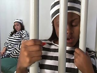 Jailbirds Amilian Kush And Mariah Eat Each Other Out