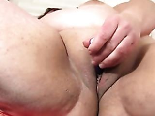 Using Zizzing Massager Torrid Ssbbw Phoenix Redd Stimulates Her Meaty Cunt