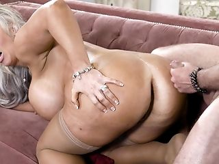 Mature porn sexy Mature Pie