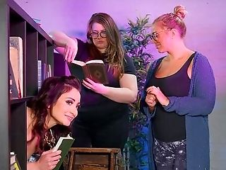 Slender Valentina Bianco's Public Fuck At The Local Library