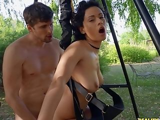 Outdoor Bang-out On A Sway With Amazing Dark Haired Stacy Bloom