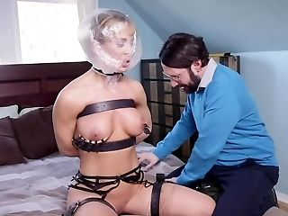 Tech Geek Bangs Blonde Mummy And Her Chubby Stepdaughter