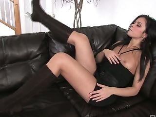 Sextractive Dark Haired Alyssa Reece Is Stimulating Her Puss With Fave Hump Plaything