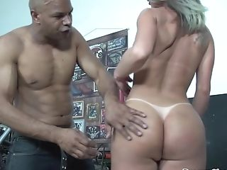 Big Fun Bags Shemale Carla Gets Booty Hammered Well By Big Black Dick Mechanic.