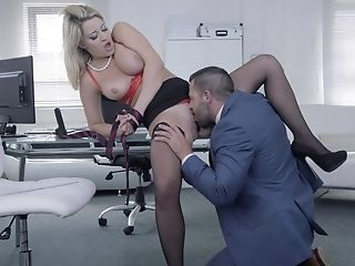 Sienna Day Taunts Her Manager With Pics And Gets Fucked On The Table