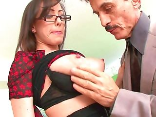 Desirable Assistant Fucks Manager At Workmp4 - Jennifer Milky