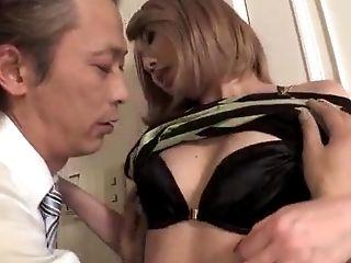 Rui Hayakawa Perceives Horny During Top Make-out